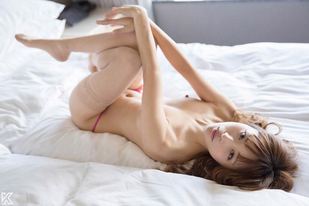 本能的なセックスに身を投じる美女/Hirari | S-Cute