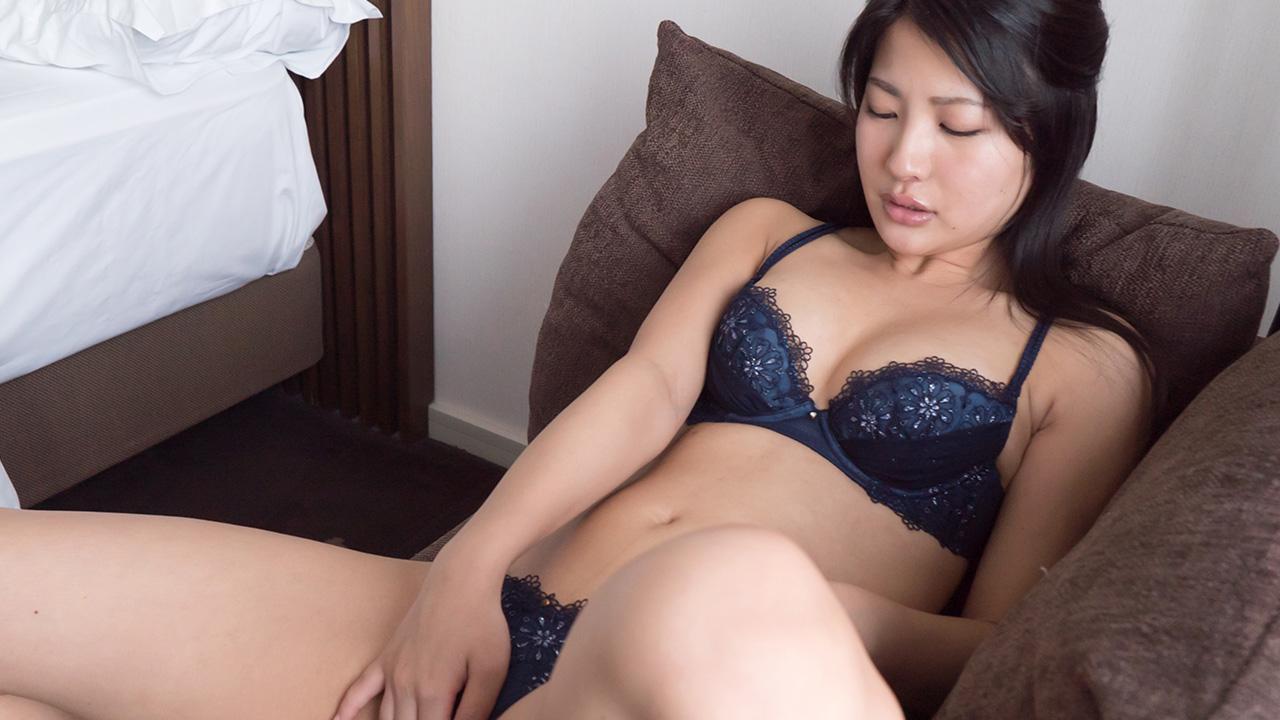 ソファーで膣イキオナニー/Aoi | S-Cute