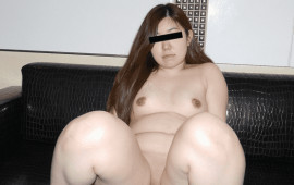 Pacopacomama 070619_126 People my wife pussy picture book