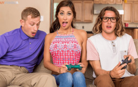 Brazzers She Loves Playing With Joysticks Jade Jantzen, Bill Bailey, Tyler Nixon